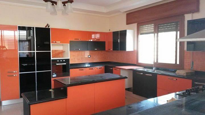 cuisine noir & orange brillant . - Meubles et décoration Tunisie