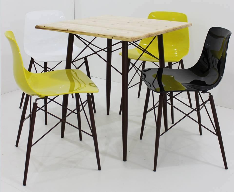 Table vintage 160 04 chaise 440 Meubles et décoration Tunisie