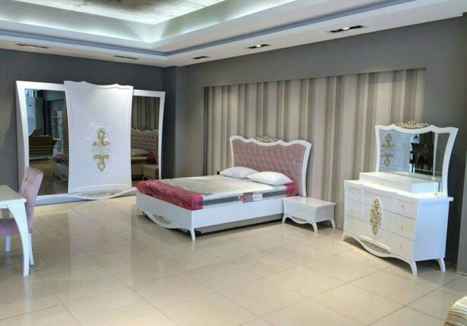chambre a coucher rose et blanc meubles et d coration tunisie. Black Bedroom Furniture Sets. Home Design Ideas