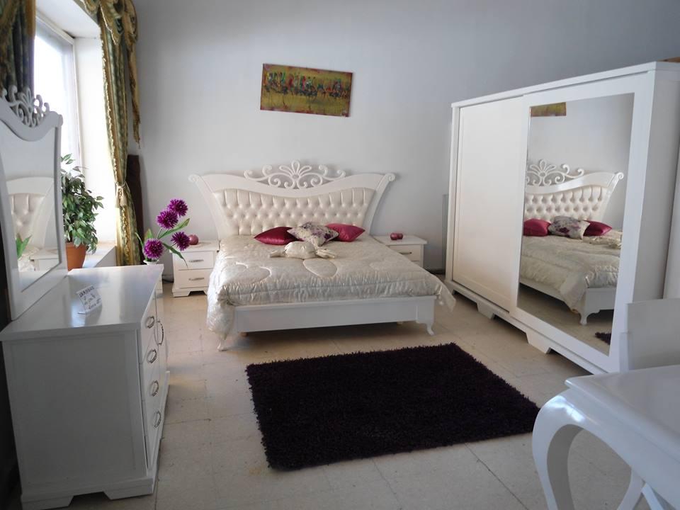 Chambre acoucher meubles et d coration tunisie for Miroir design tunisie