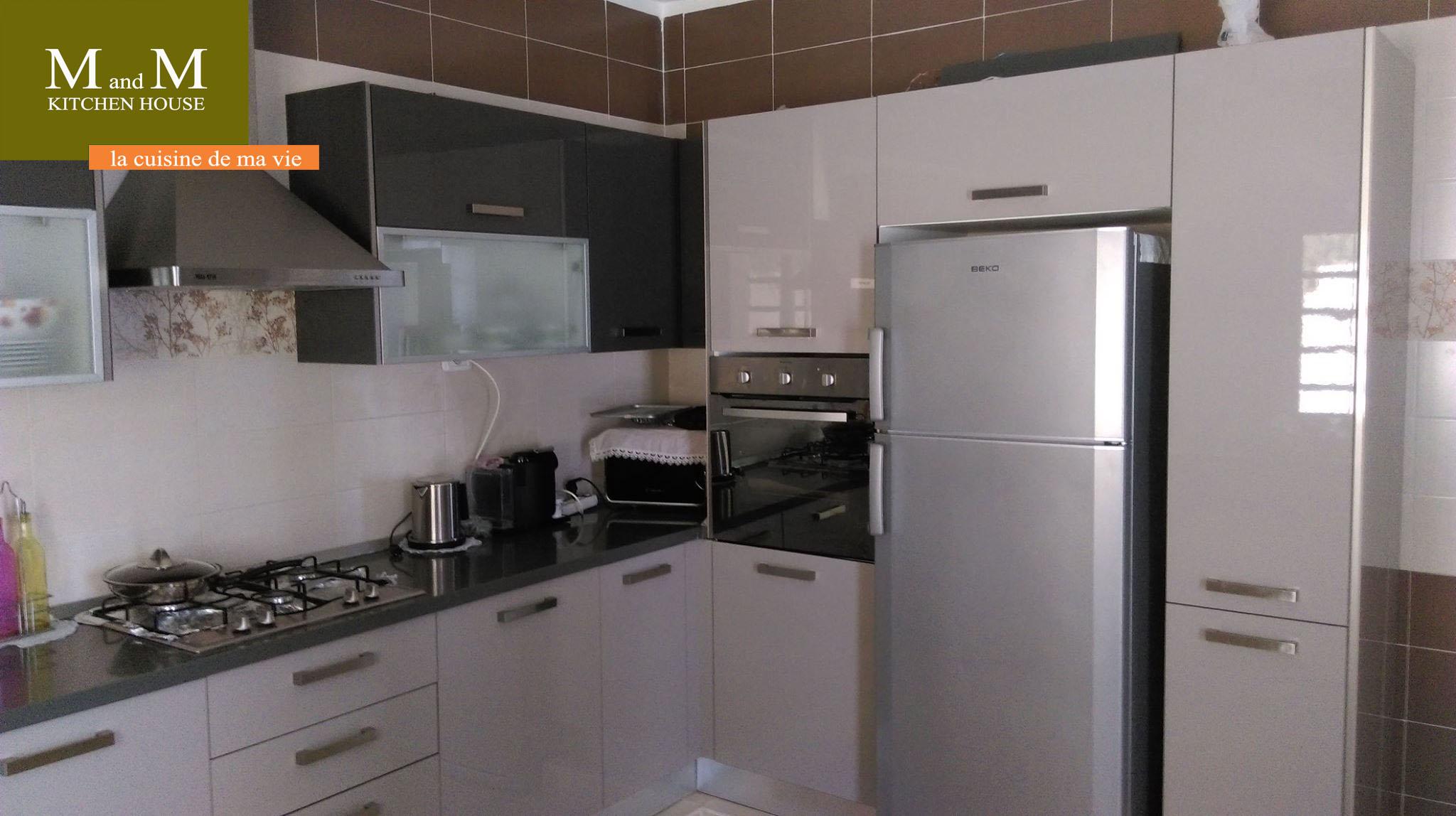Cuisine grise et gr ge meubles et d coration tunisie for Cuisine encastrable grise