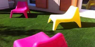 herbe synth tique balcon dalle autocollante cuisine. Black Bedroom Furniture Sets. Home Design Ideas