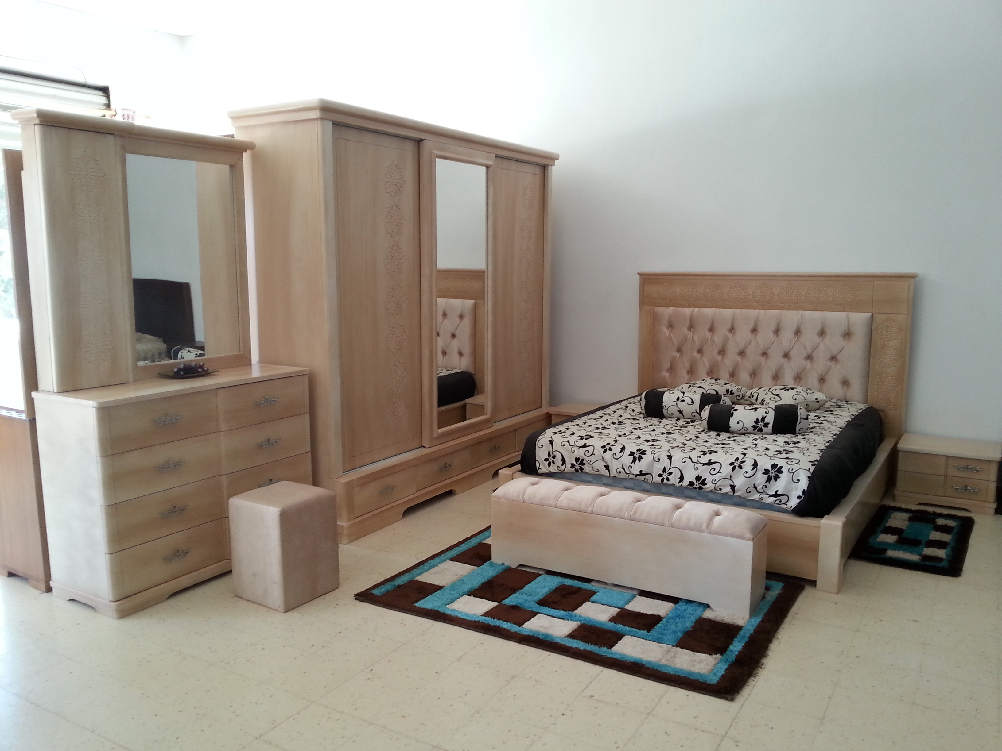 patinnage meubles et d coration tunisie. Black Bedroom Furniture Sets. Home Design Ideas