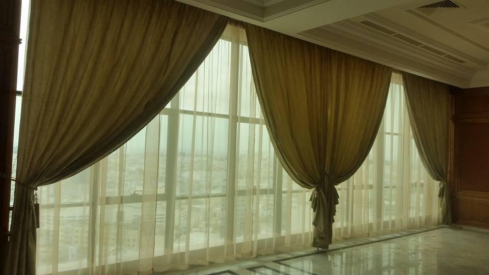 Rideau en tissu meubles et d coration tunisie for Decoration murale tissu
