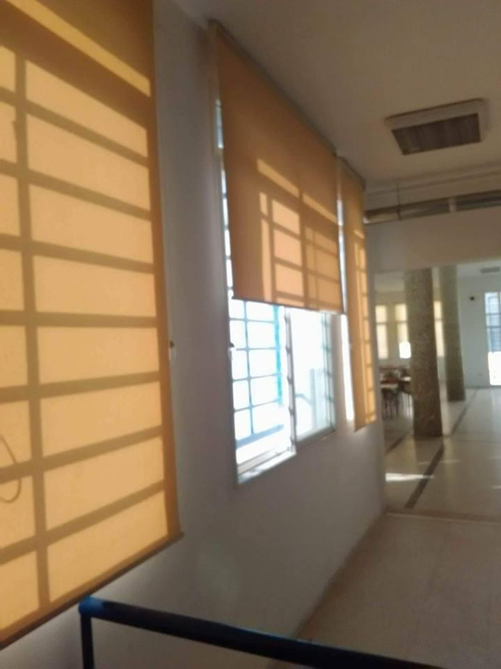 stores rideaux enroulables meubles et d coration tunisie. Black Bedroom Furniture Sets. Home Design Ideas