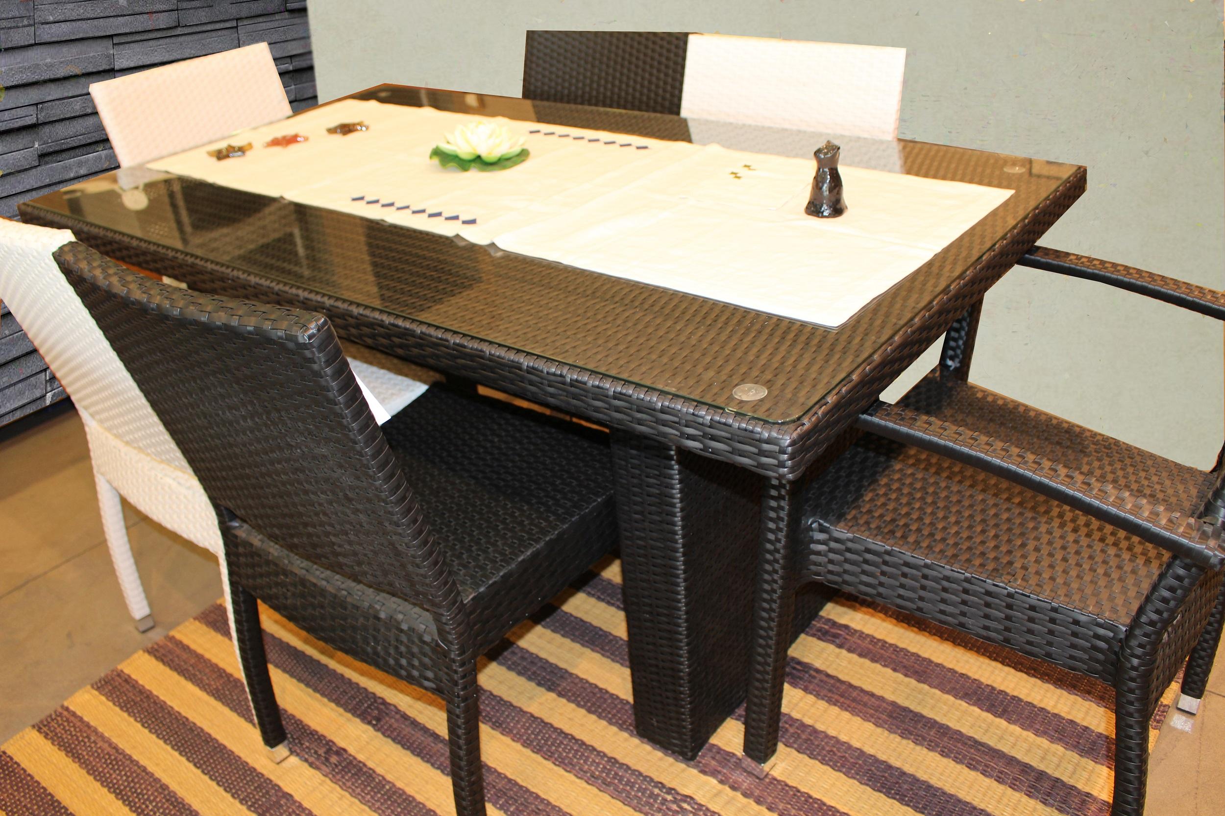 Table en fibre synth tique meubles et d coration tunisie for Meuble 5 etoiles tunisie ezzahra