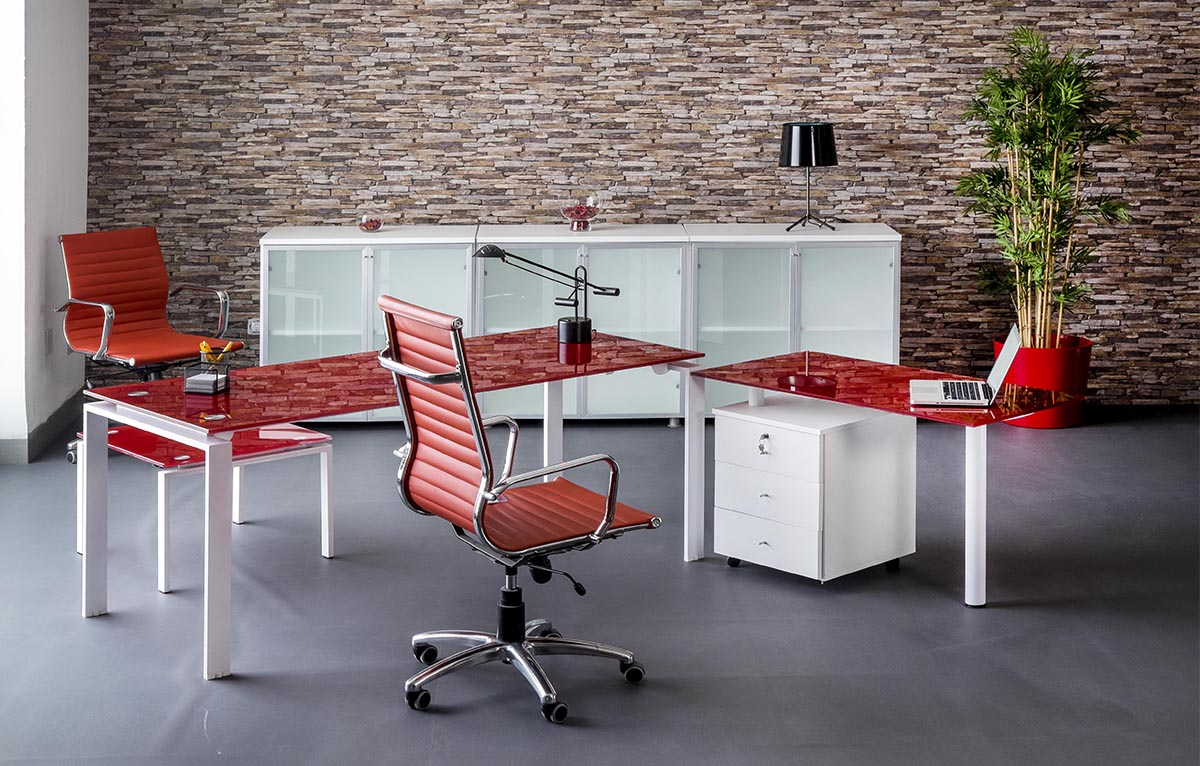 Bureau de direction carre emaille rouge meubles et for Meuble bureau rouge