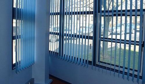 stores lames verticales meubles et d coration tunisie. Black Bedroom Furniture Sets. Home Design Ideas